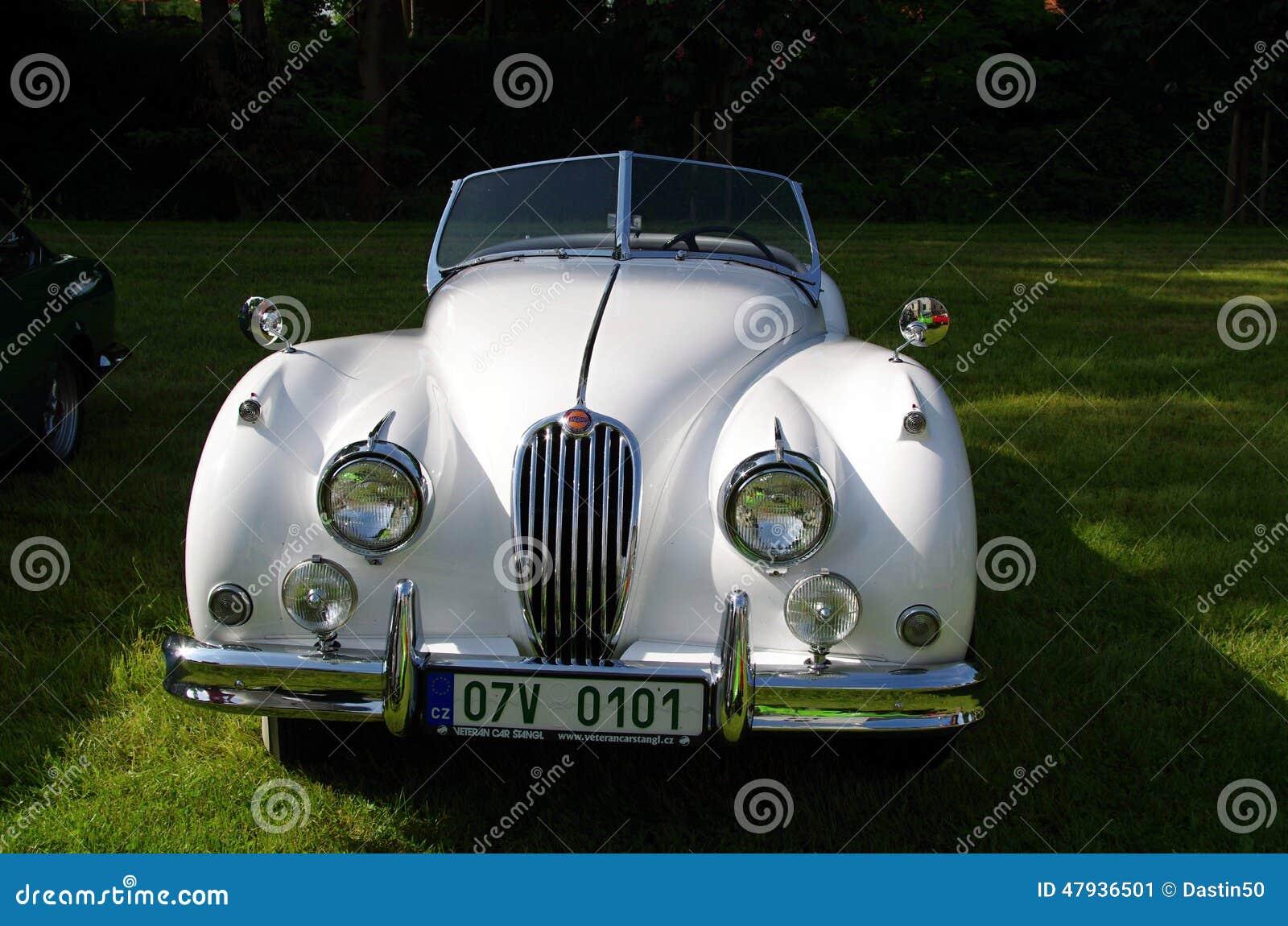 voiture ancienne jaguar photo ditorial image 47936501. Black Bedroom Furniture Sets. Home Design Ideas