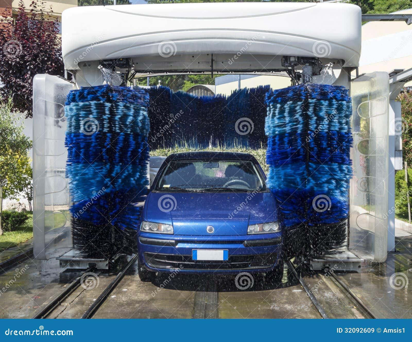 voiture dans le lavage automatique image stock image 32092609. Black Bedroom Furniture Sets. Home Design Ideas