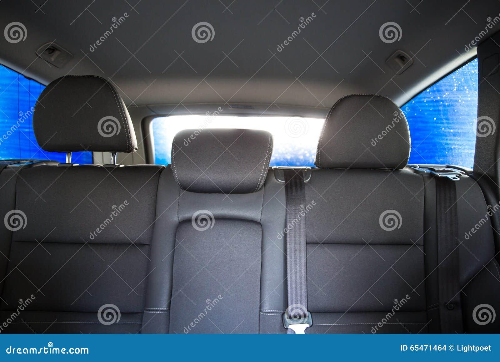 Voiture dans une lave auto vue de l 39 int rieur photo for A l interieur d une voiture
