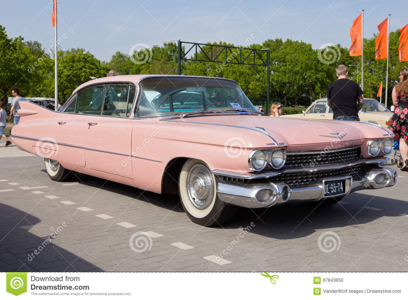 voiture 1959 de cadillac sedan de ville image ditorial image 67843650. Black Bedroom Furniture Sets. Home Design Ideas