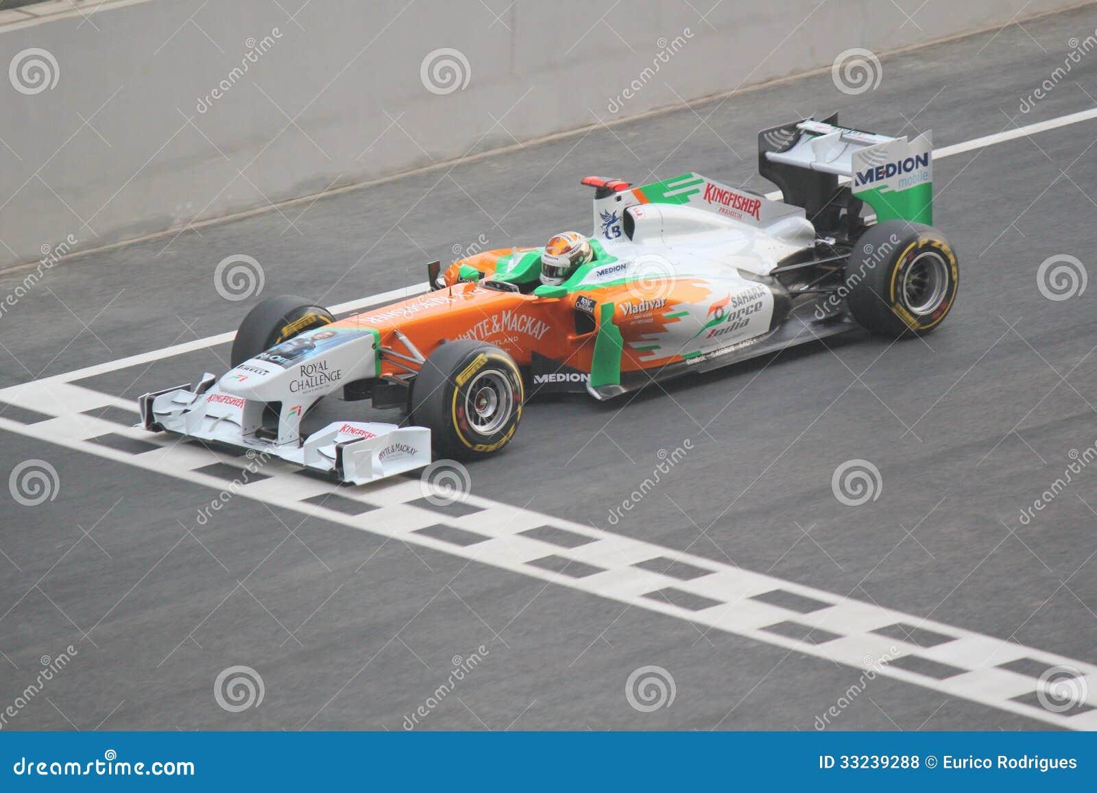 voiture de course de formule 1 commencez la ligne photo stock ditorial image 33239288. Black Bedroom Furniture Sets. Home Design Ideas