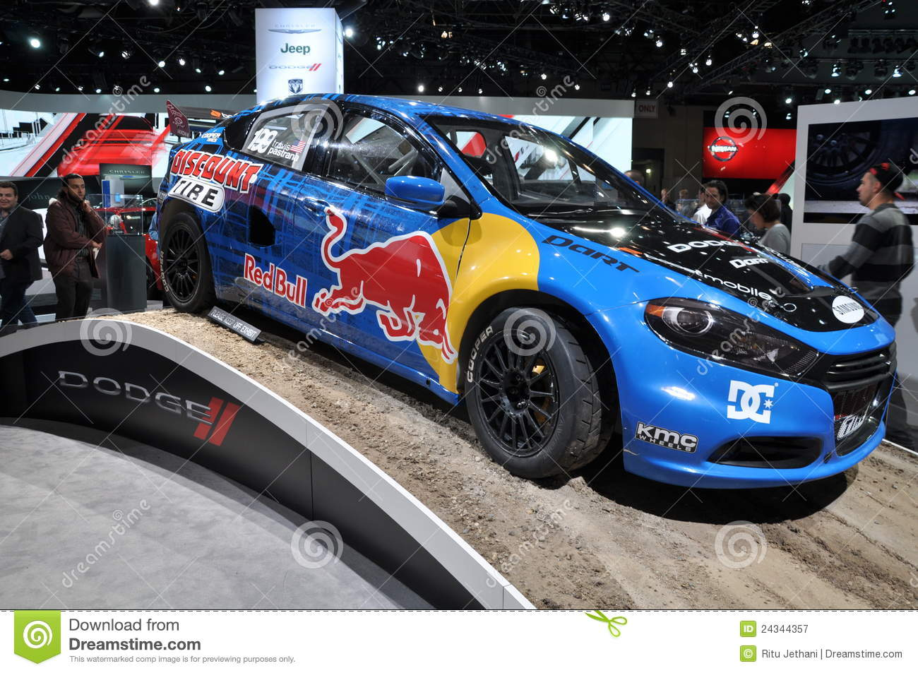 voiture de dodge red bull photographie ditorial image du sports 24344357. Black Bedroom Furniture Sets. Home Design Ideas