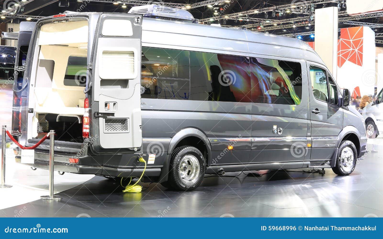 Voiture de luxe de caravane r sidentielle de mercedes benz for Salon de la caravane
