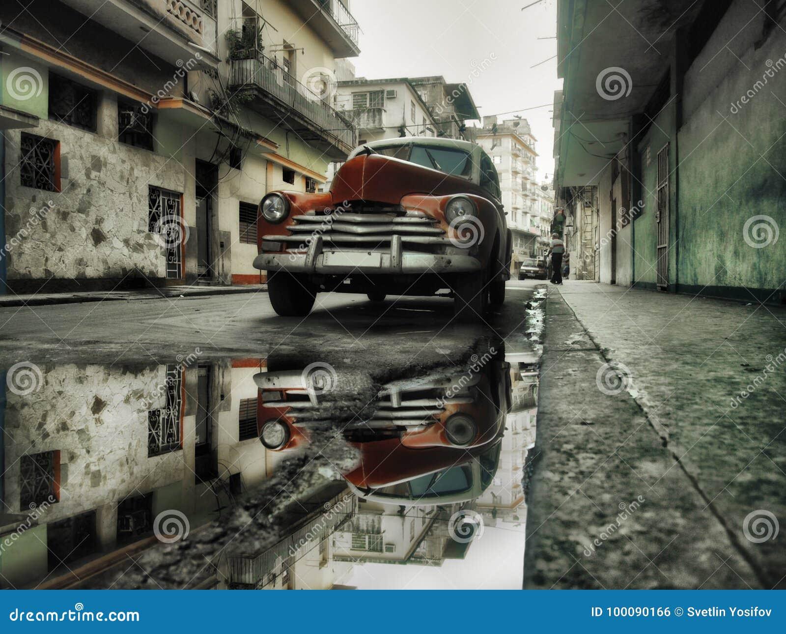 Voiture de rouge de rue de La Havane