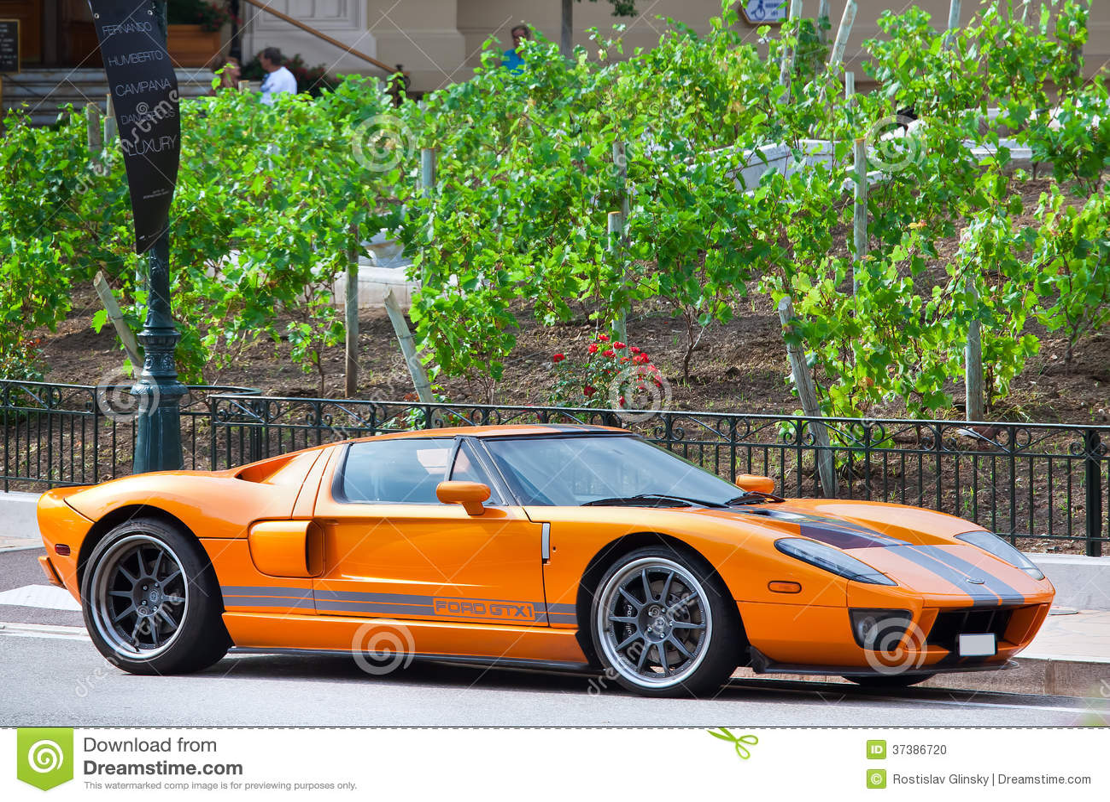 voiture de sport de luxe monte carlo image ditorial image 37386720. Black Bedroom Furniture Sets. Home Design Ideas