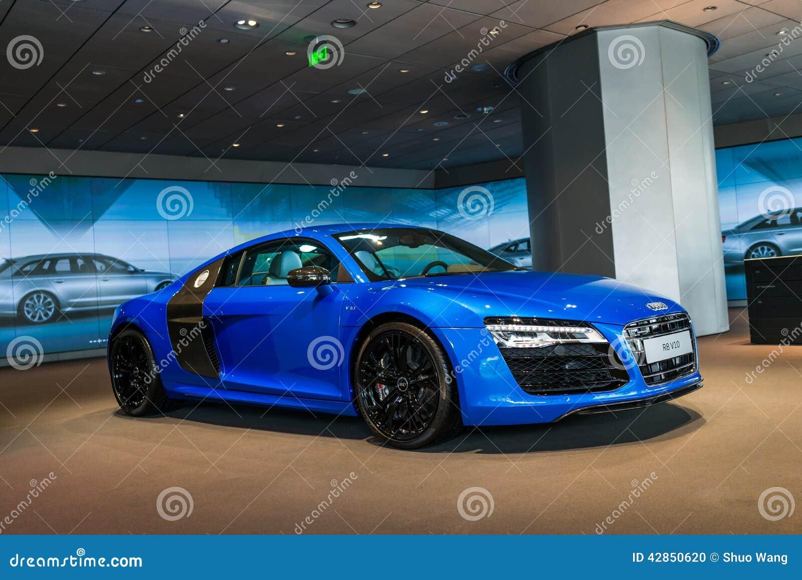 Voiture de sport vendre audi r8 image ditorial image - Image de voiture de sport ...