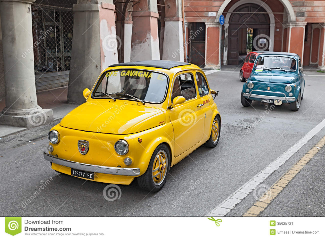 voiture fiat 500 abarth de vintage photo ditorial image 35625721. Black Bedroom Furniture Sets. Home Design Ideas