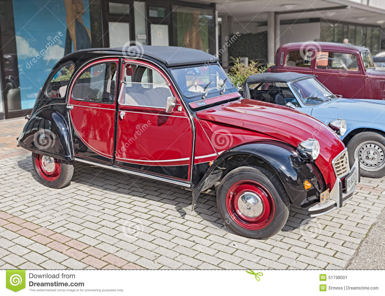 voiture fran aise citroen 2cv charleston de vintage photo ditorial image 51798001. Black Bedroom Furniture Sets. Home Design Ideas
