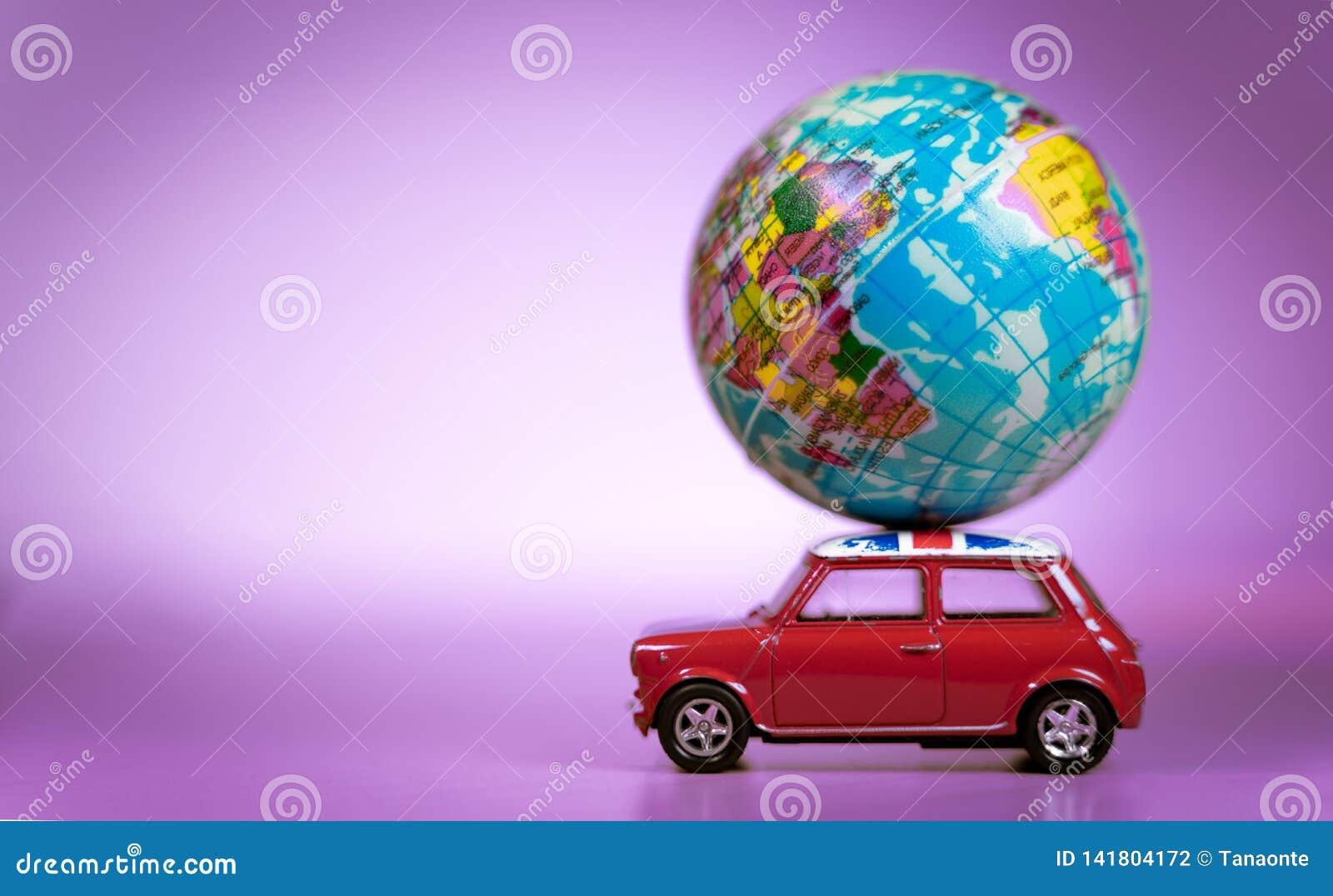 Portant Voiture Un Cru Miniature Ballon Jouet Du De Carte YE2H9IWD