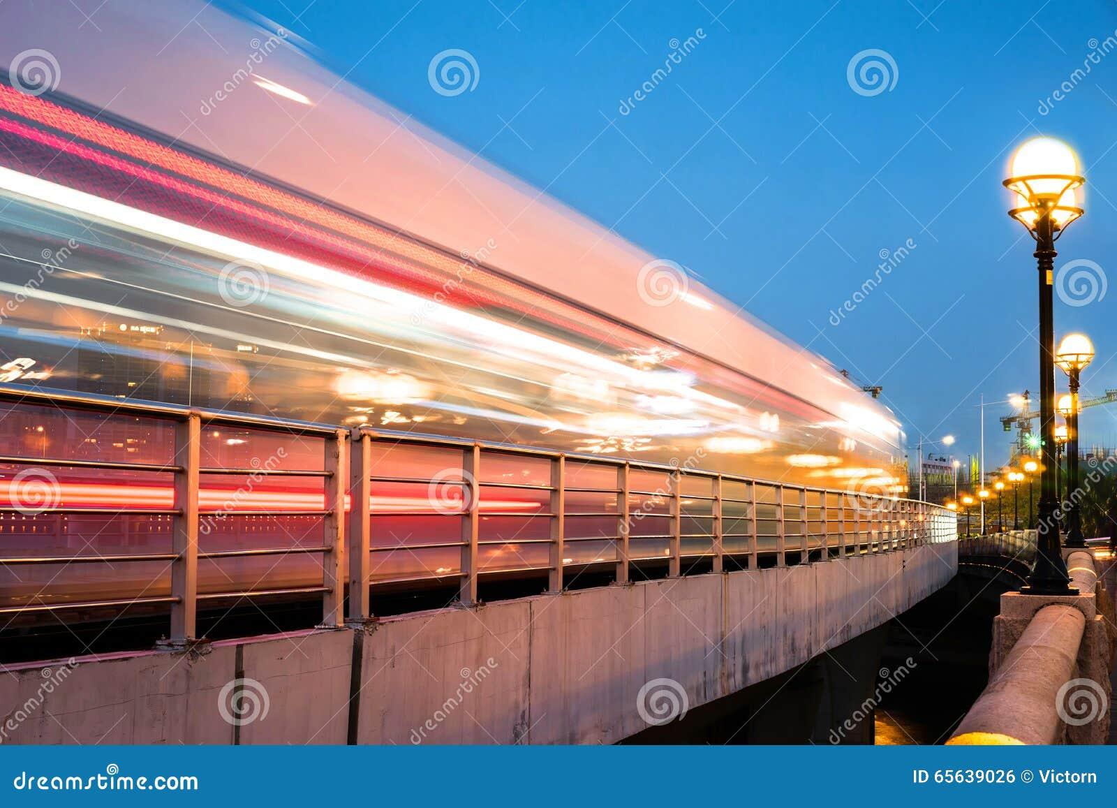 Voiture mobile de tram