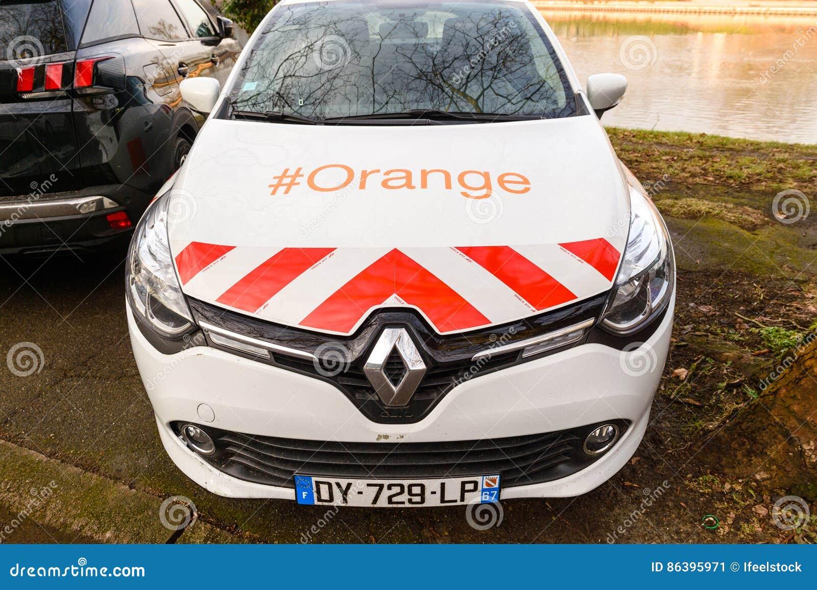 voiture orange renault de service de t l com photo ditorial image 86395971. Black Bedroom Furniture Sets. Home Design Ideas