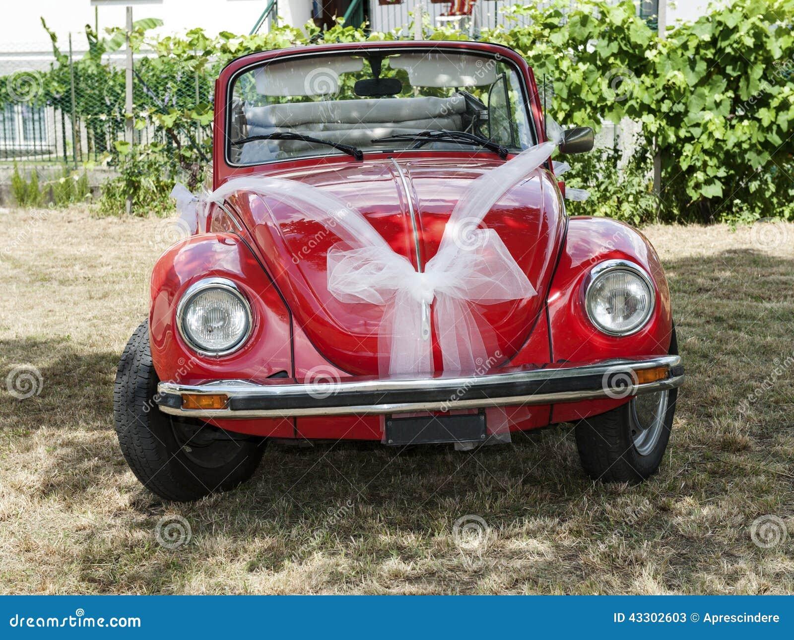 voiture rouge de mariage image stock image du luxe vacances 43302603. Black Bedroom Furniture Sets. Home Design Ideas