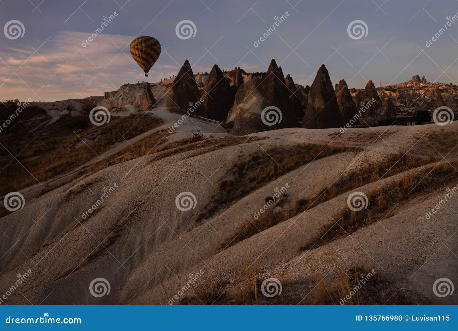 Vol chaud de ballon à air, Goreme, Cappadocia, Turquie