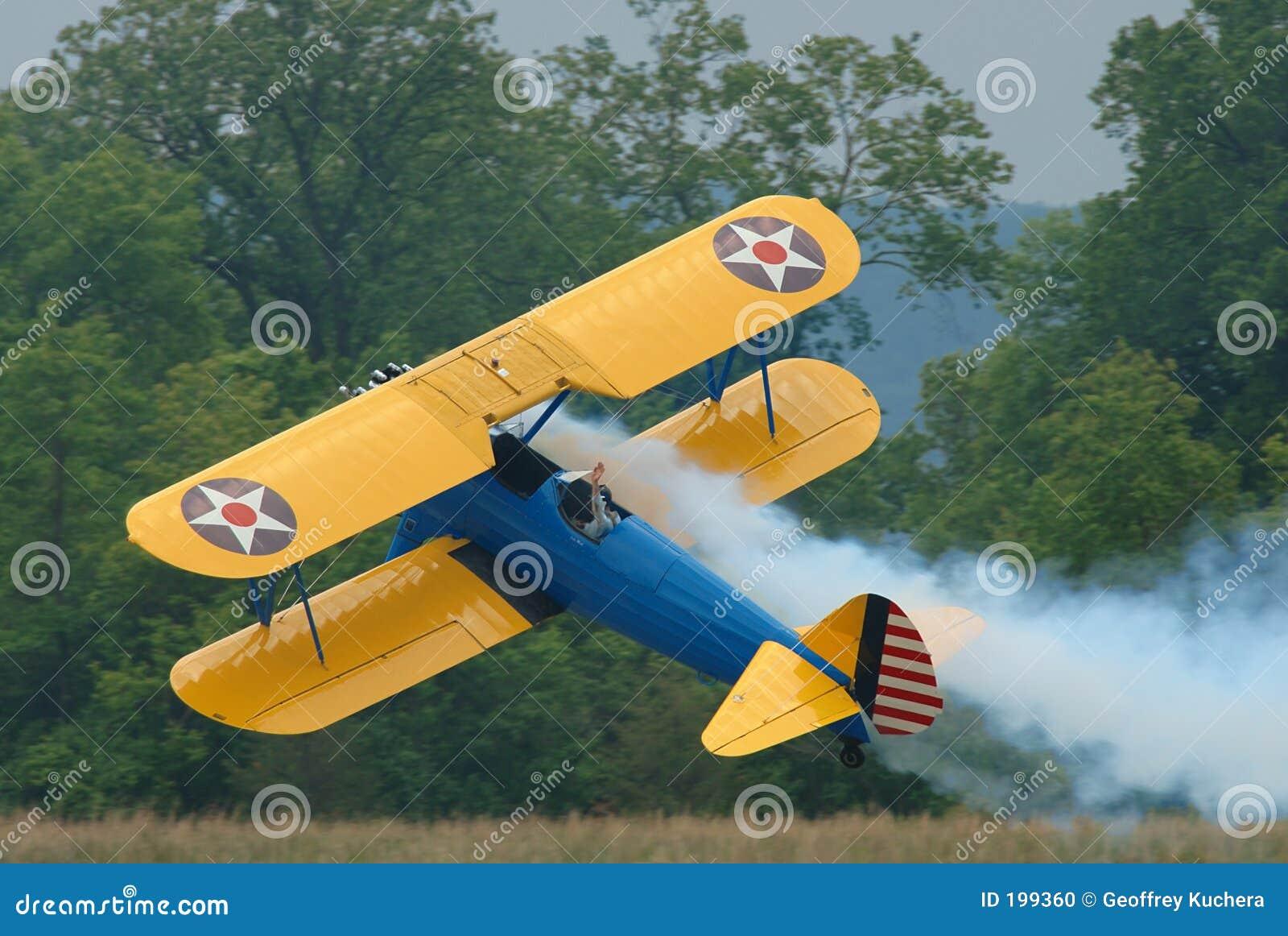 Vol de biplan latéral