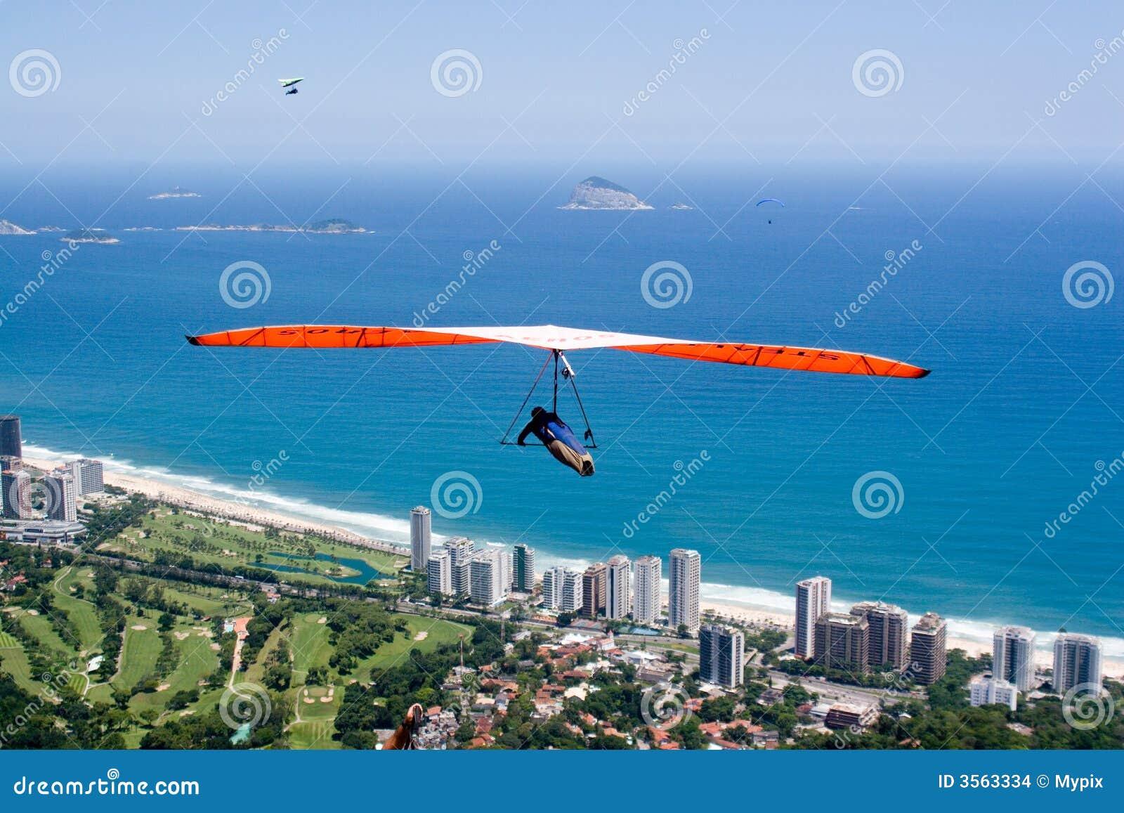 Volando sopra la spiaggia