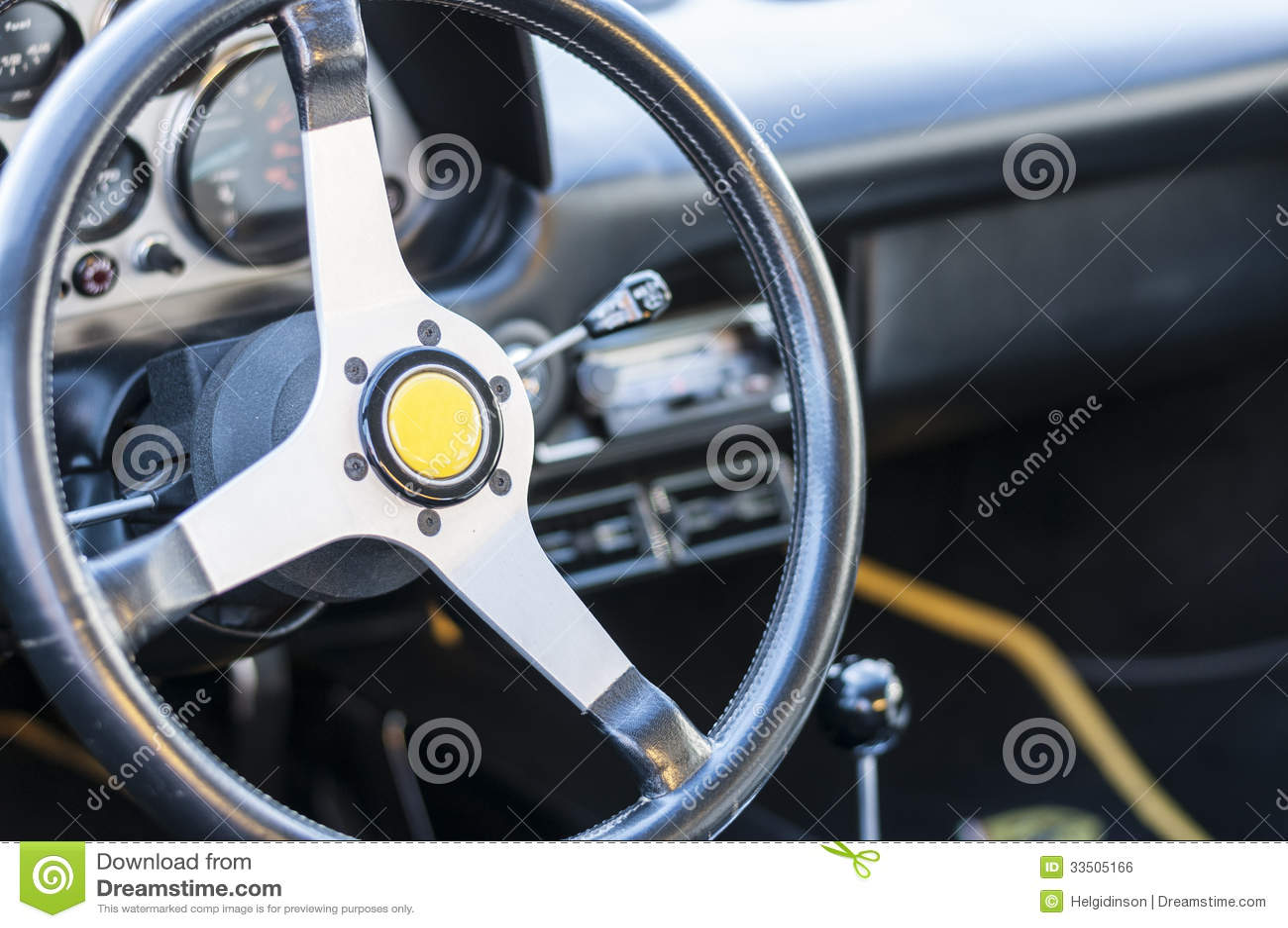 volant de voiture de sport photo stock image du airbag 33505166. Black Bedroom Furniture Sets. Home Design Ideas