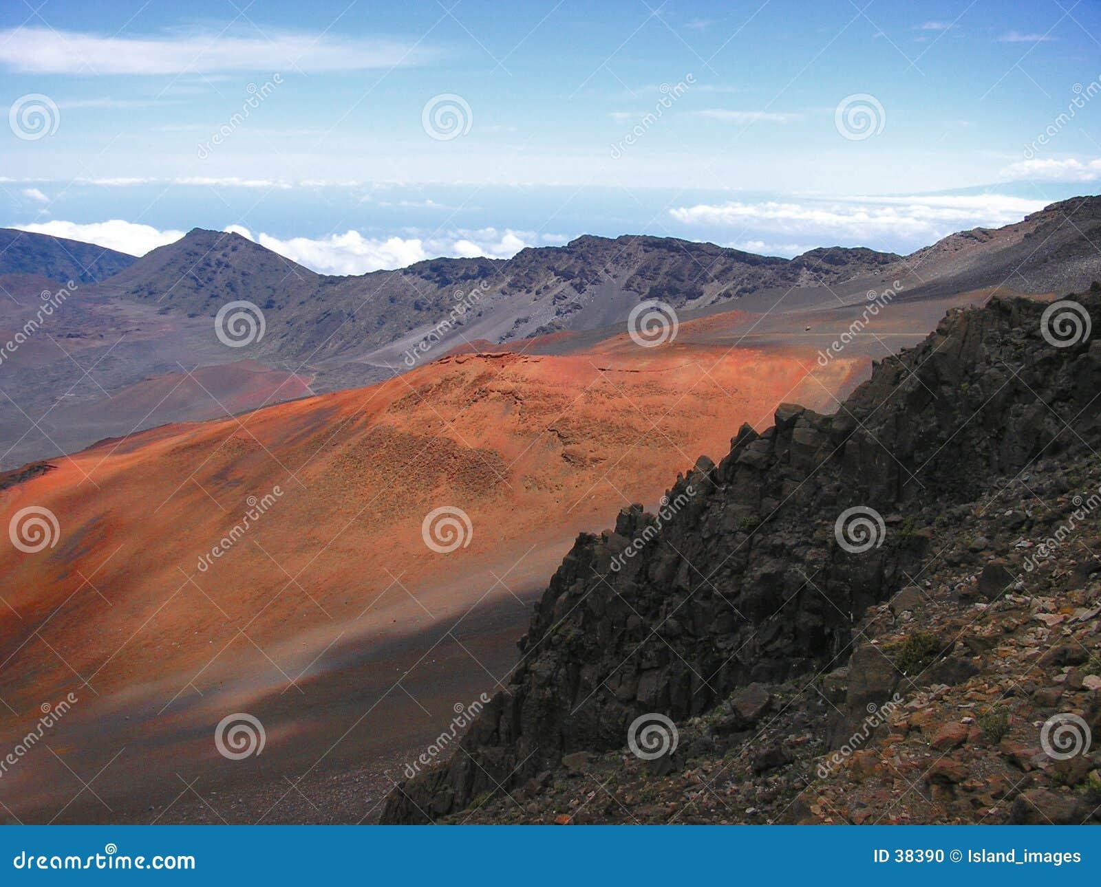 Download Volcán de Haleakala foto de archivo. Imagen de rojo, atracción - 38390