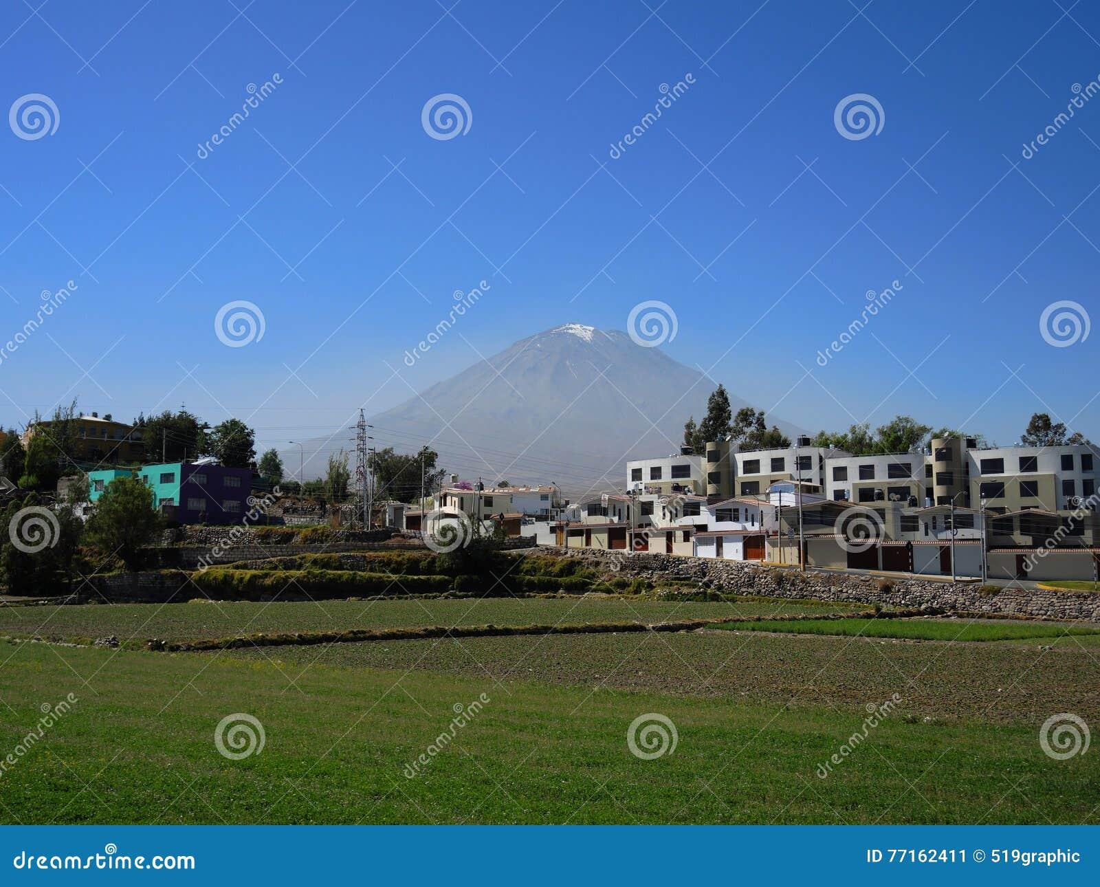 Volcan de Misti, dans la ville d Arequipa, le Pérou