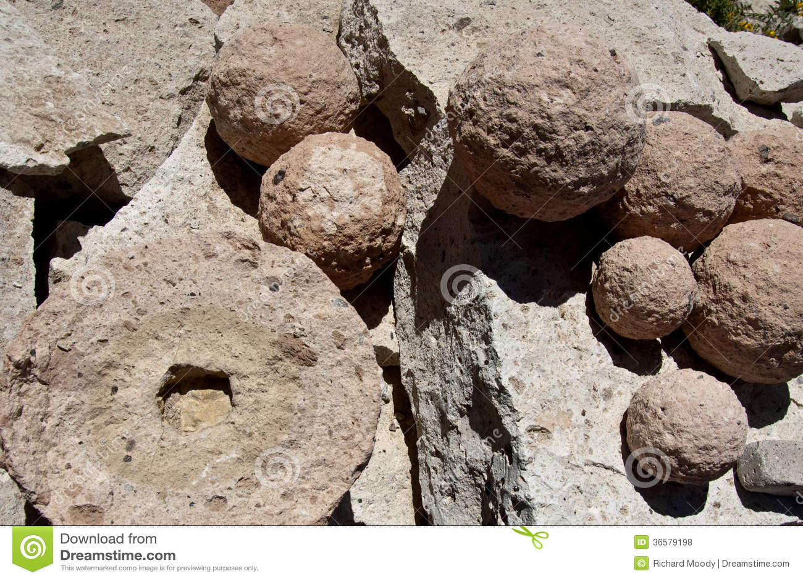 Volcanic Spheres, Sillar Quarry