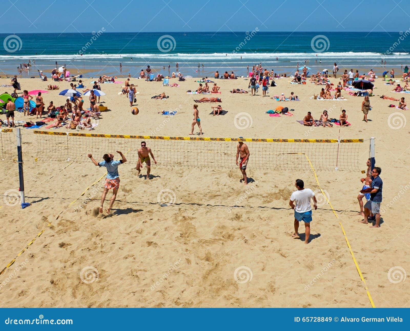 playas espana jovenes