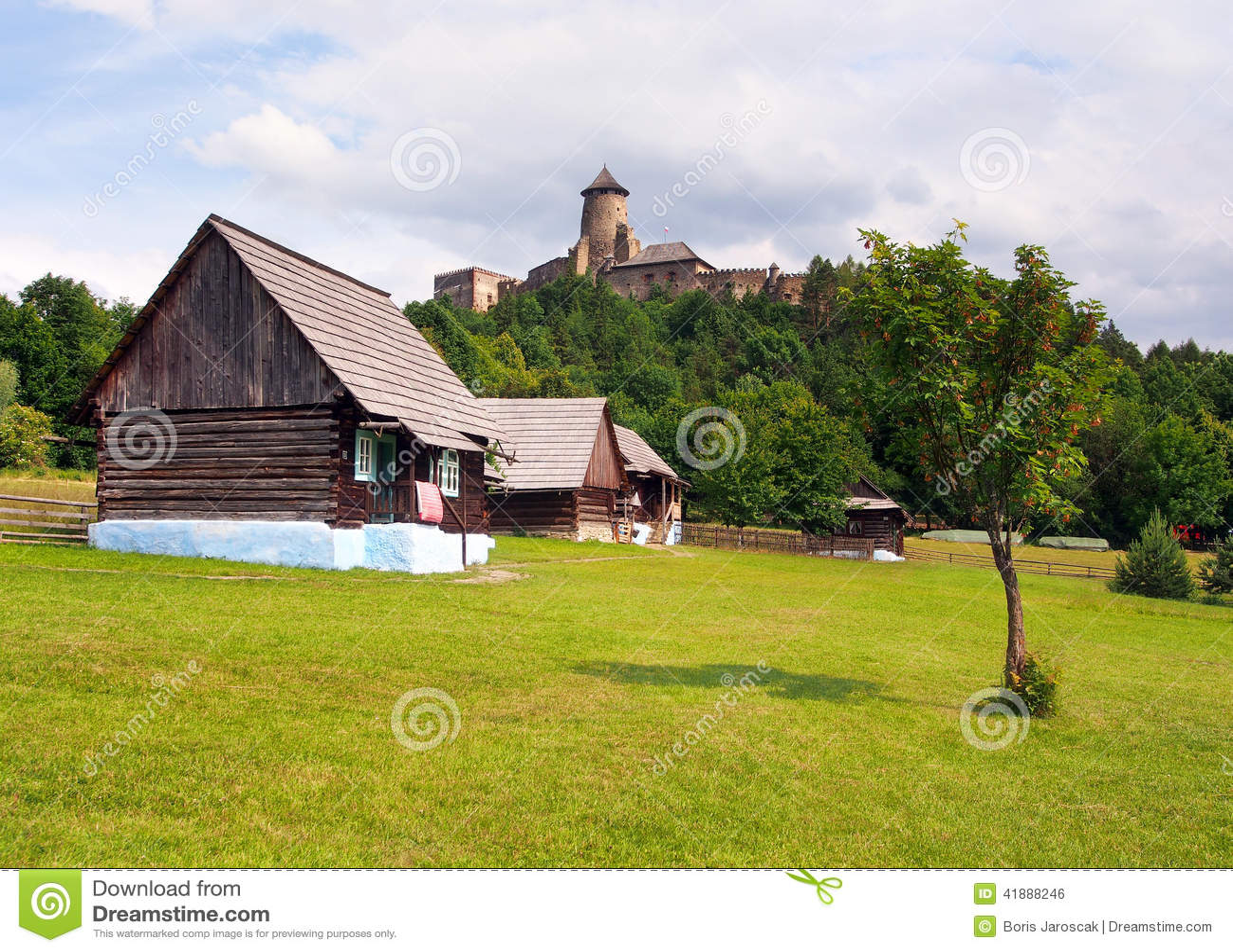 Volkshäuser und Schloss in Stara Lubovna