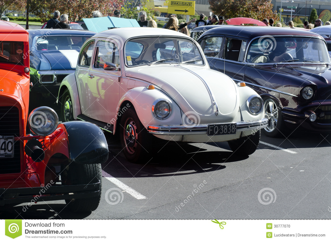 Volkswagen Beetle In Classic Car Show Editorial Image - Image of ...