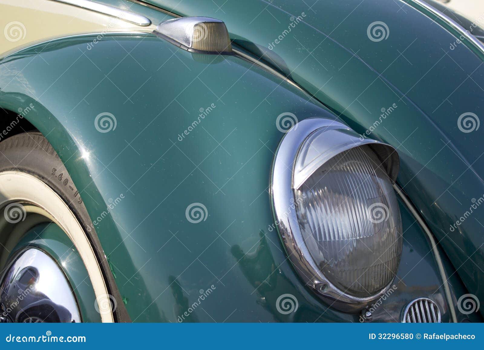 Volkswagen Beetle met oogleden