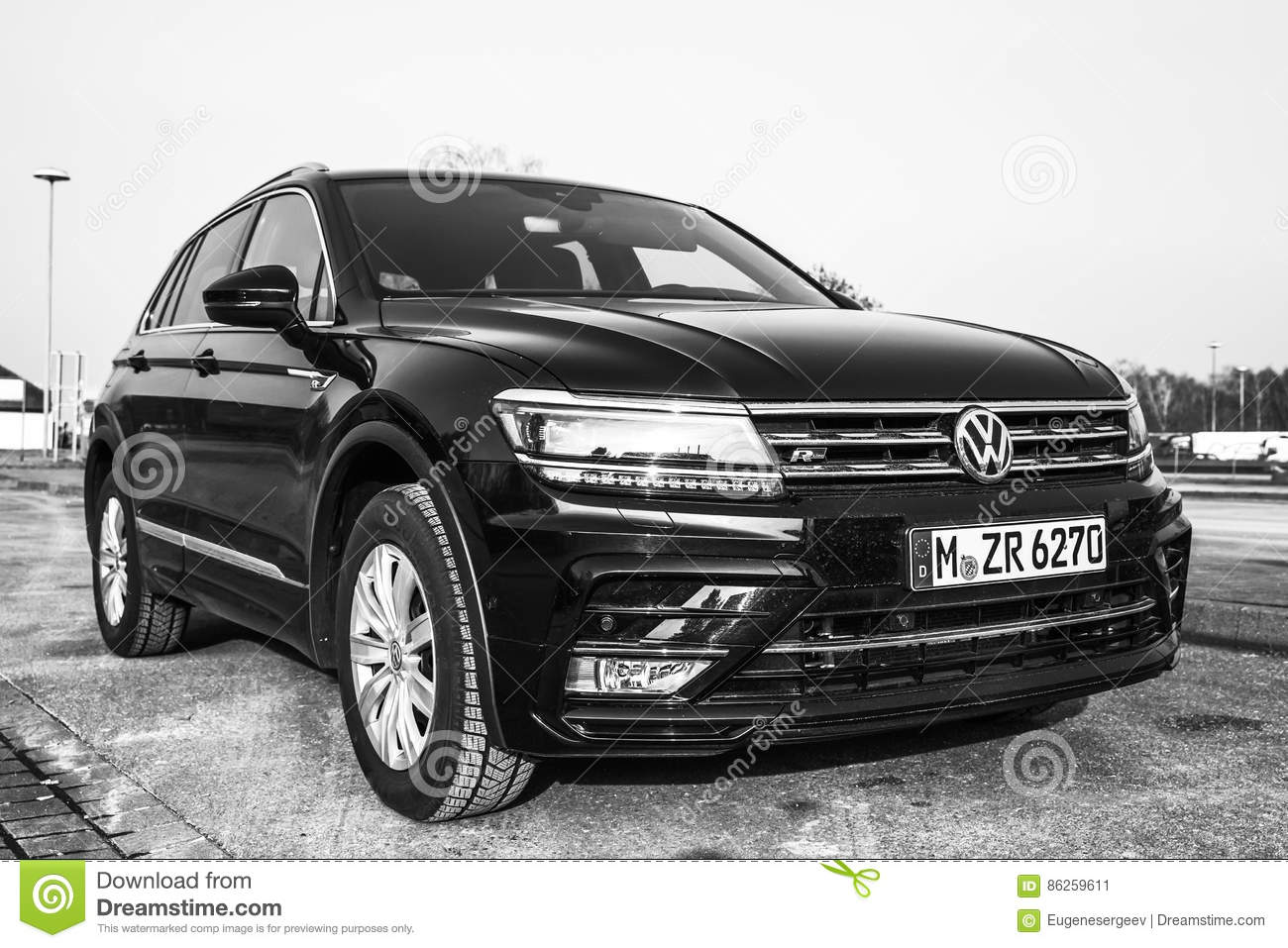All Types tiguan length : Volkswagen Tiguan R-Line Model 2017 Front Editorial Photography ...