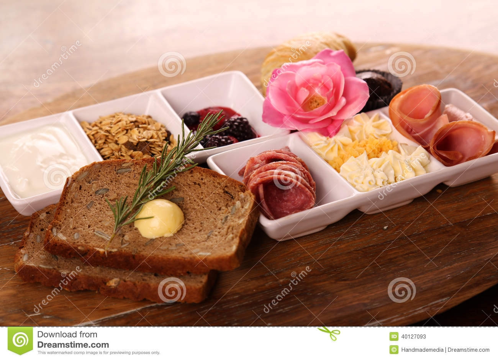 Volledig continentaal ontbijt