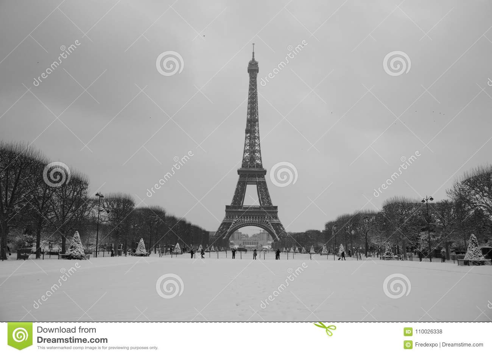 Volledig de torenlandschap van sneeuweiffel