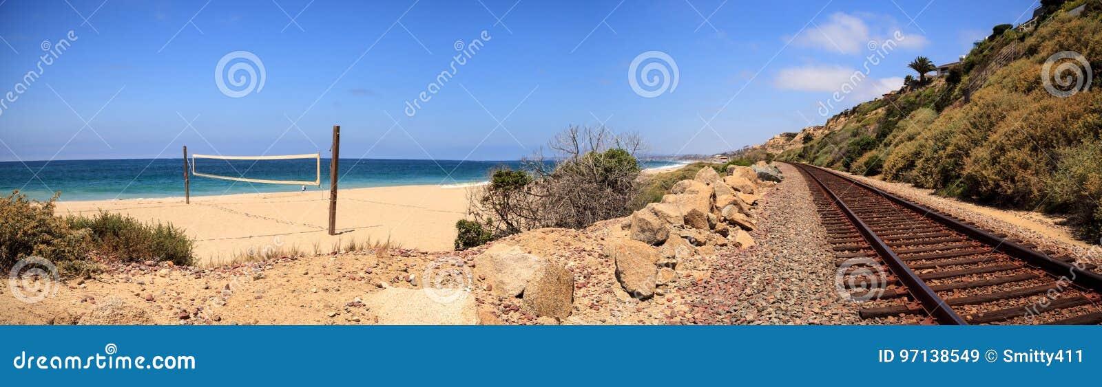 Volleyball netto op het zand bij San Clemente State Beach
