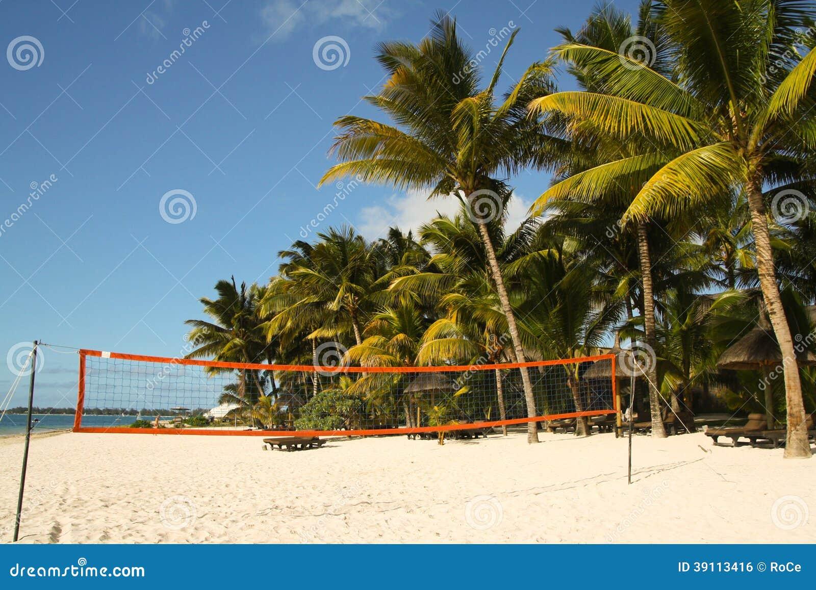 Volleyballhof op het strand