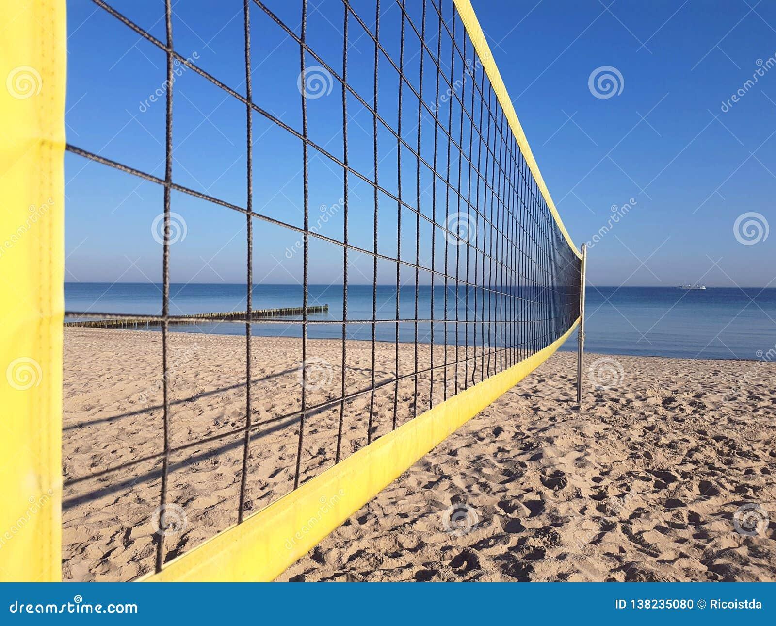 Volleyballnetz auf dem Strand