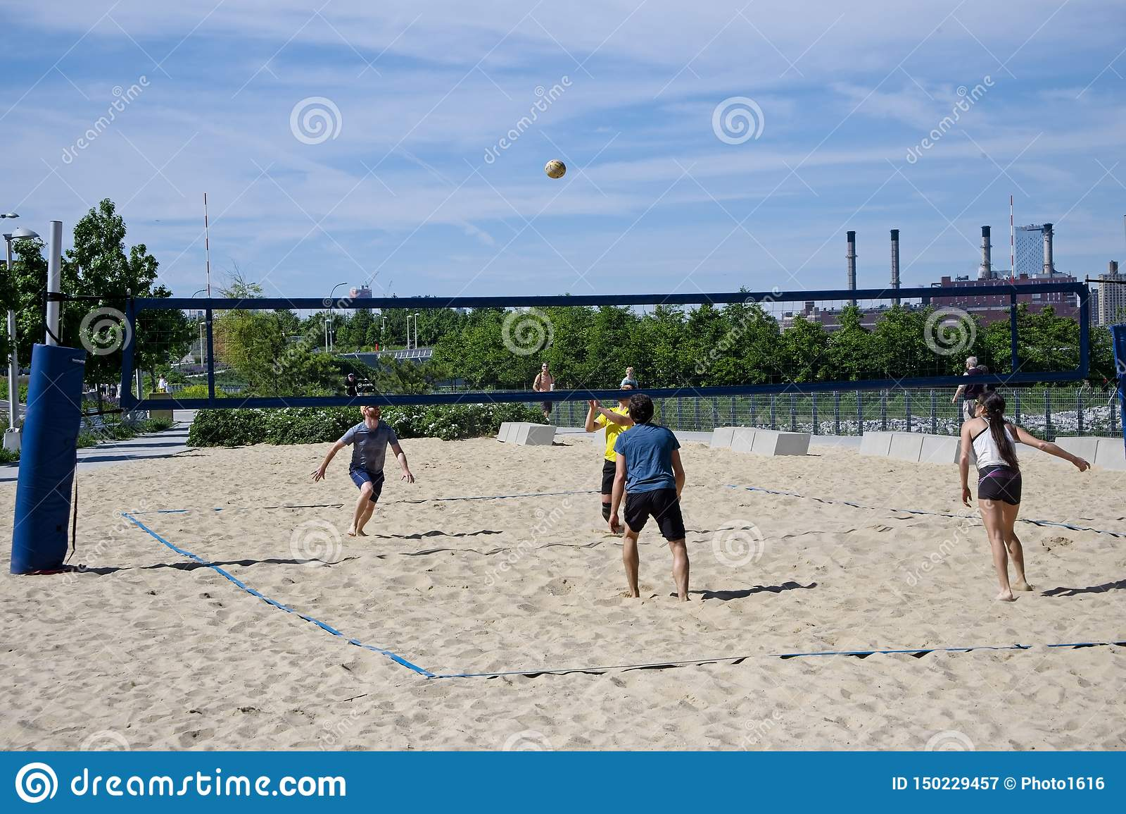 Volleyboll p? stranden