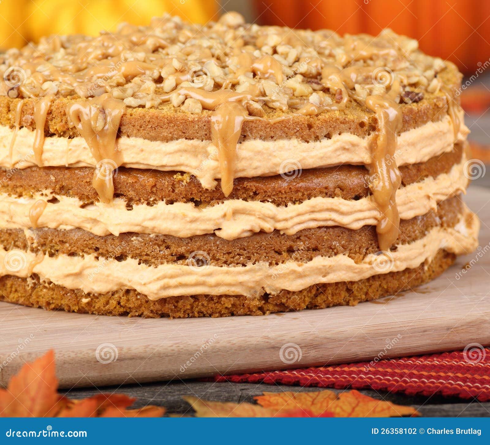 Vollständiger Kürbis-Kuchen