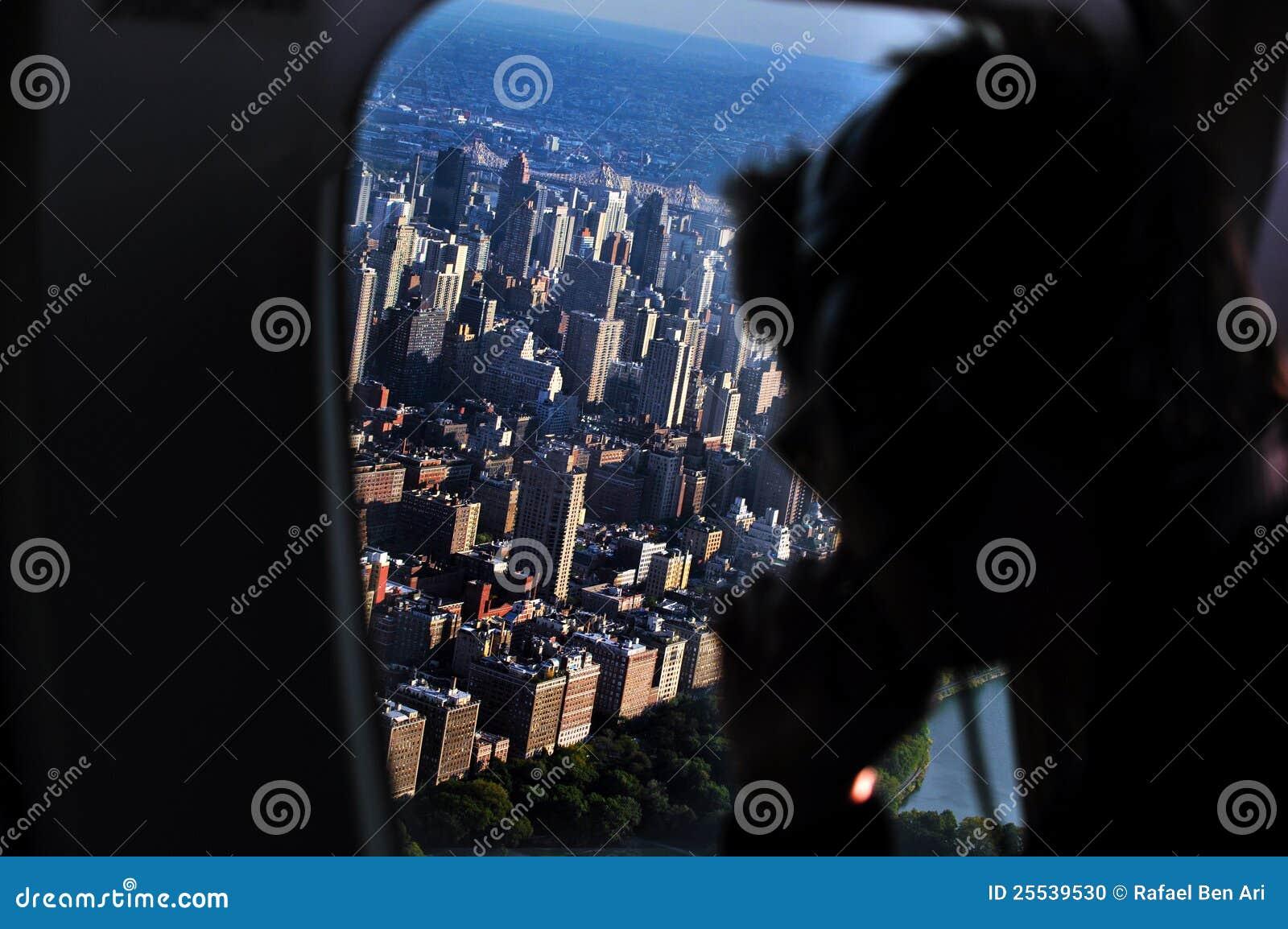 Elicottero Jfk Manhattan : Volo dell elicottero sopra manhattan immagine editoriale