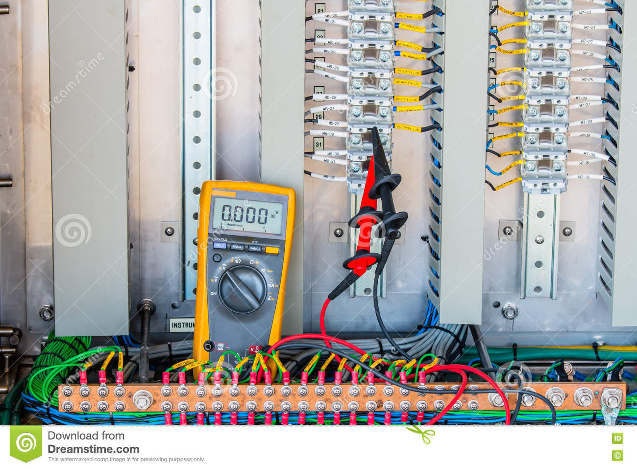 Voltage 24 Vdc Measurement connectivity at terminal of Electrical control panel,terminal ,Voltage measurement