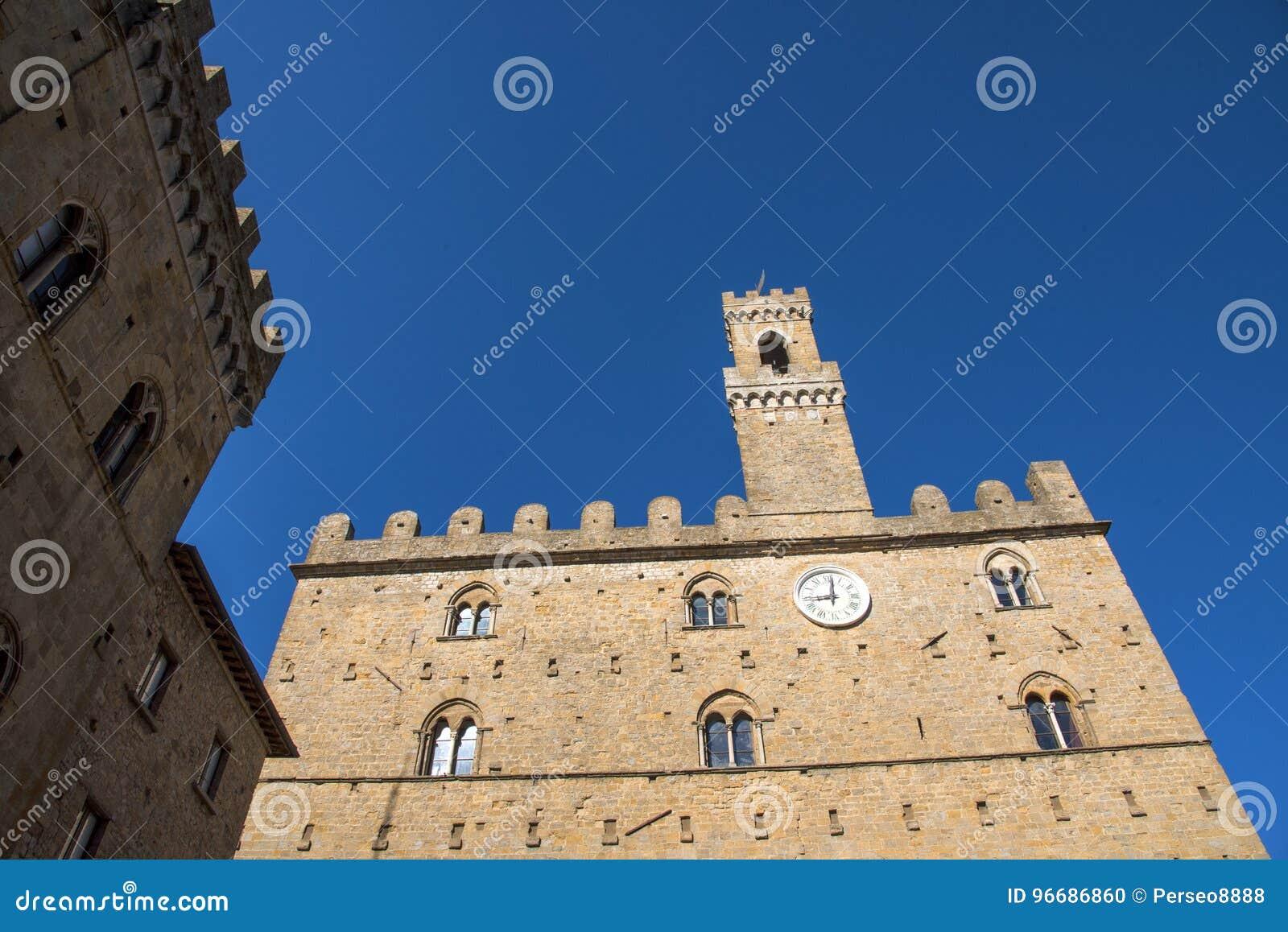 Volterra town central square, medieval palace Palazzo Dei Priori landmark
