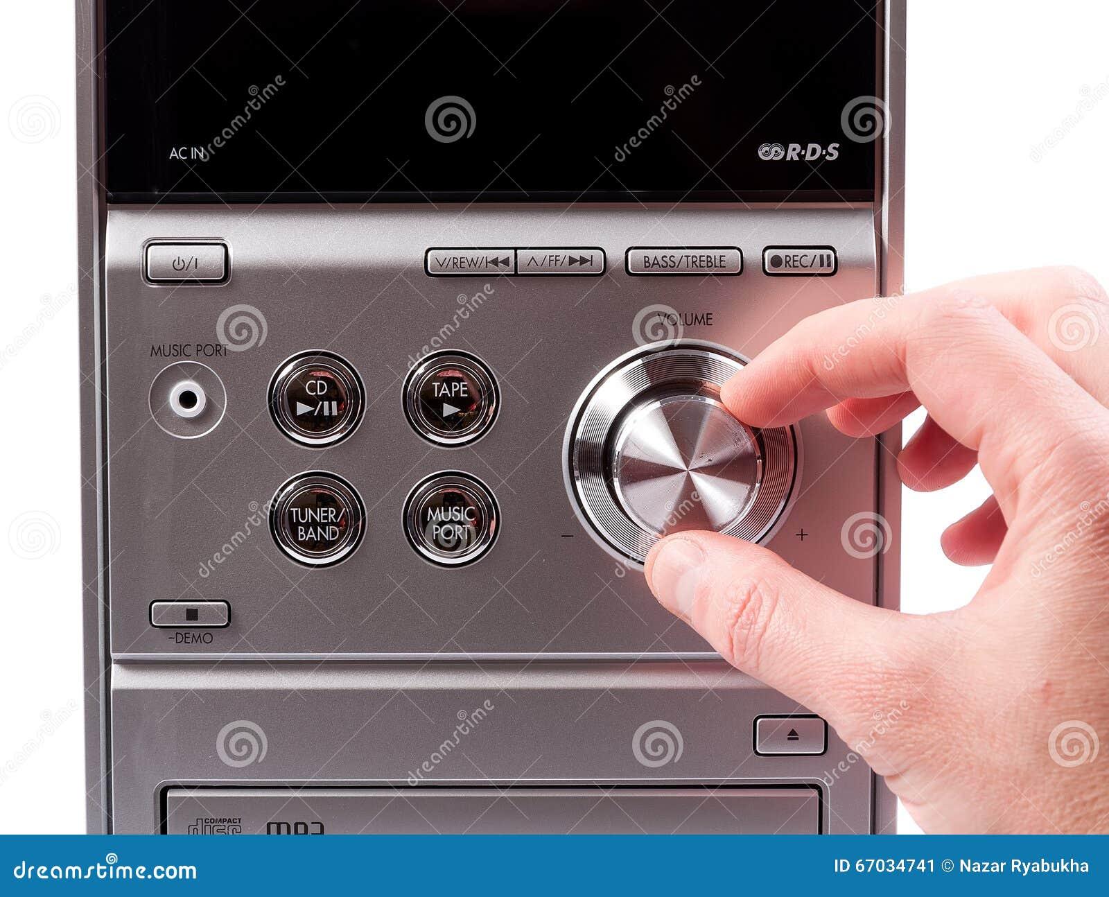 Volume de controlo da mão de um registrador estereofônico