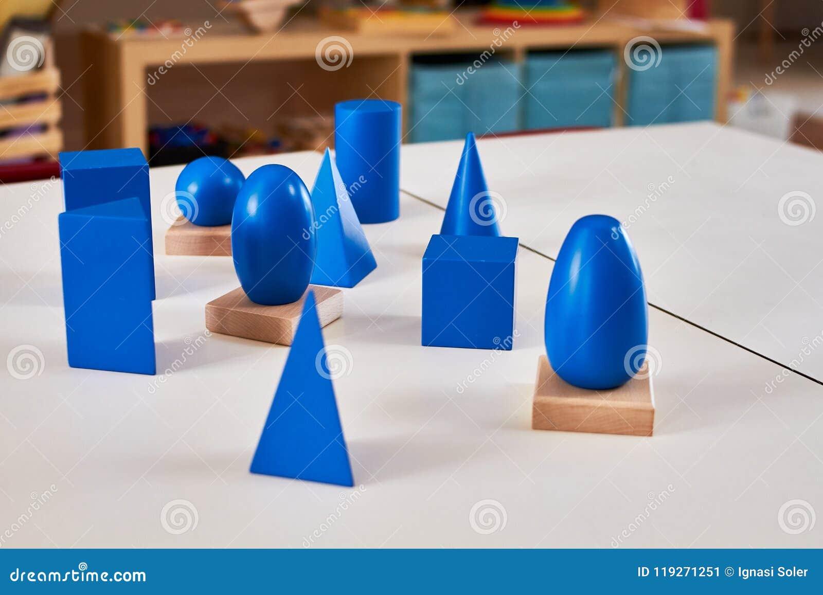 Volumes solides géométriques en bois de Montessori