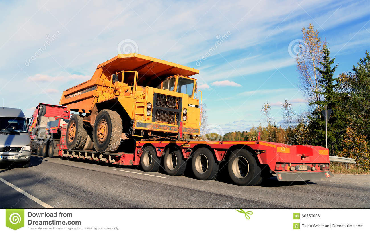How Wide Is A Dump Truck Bed