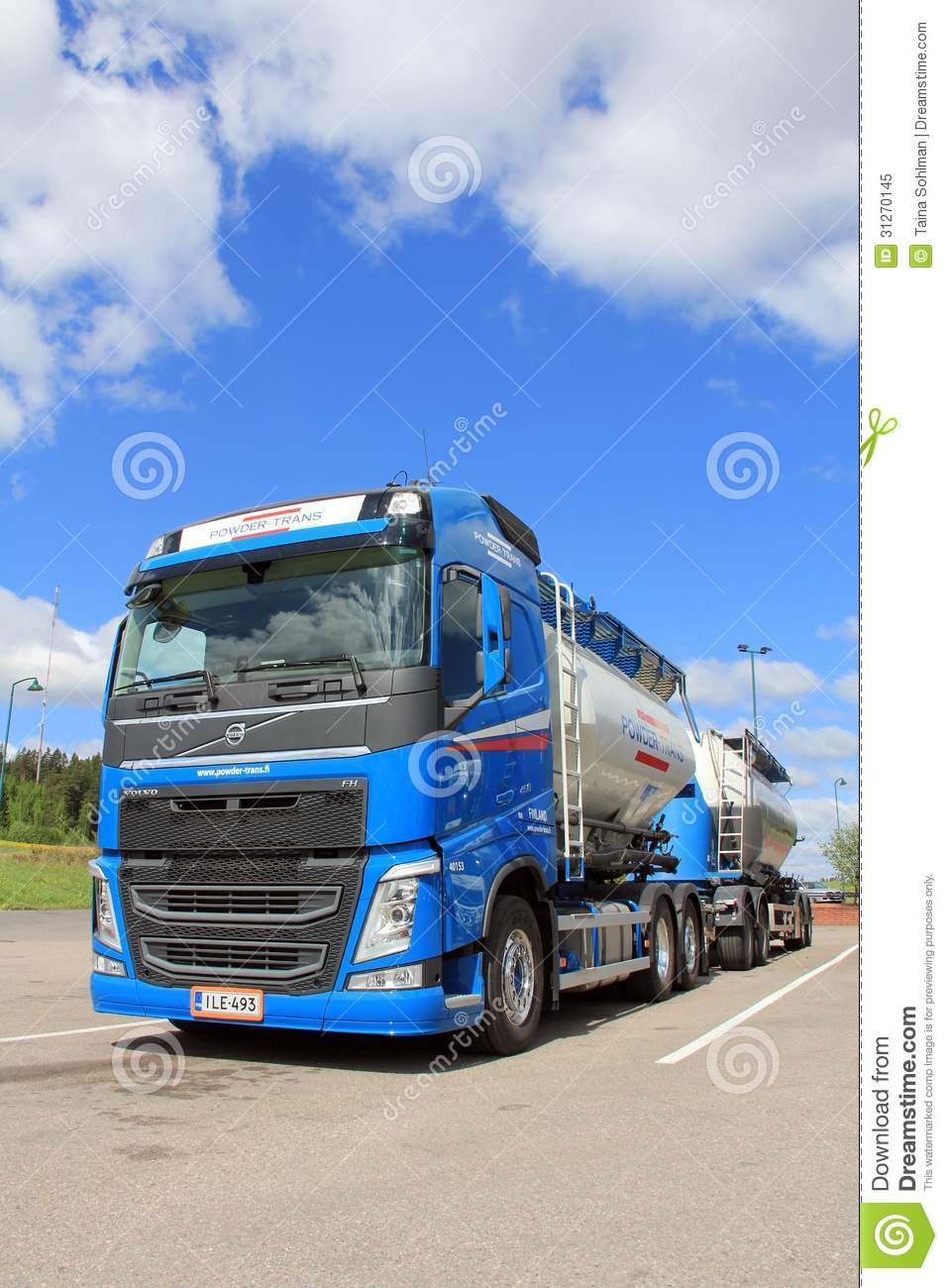 Volvo Fh 450 Bulk Transport Truck And Trailer Editorial
