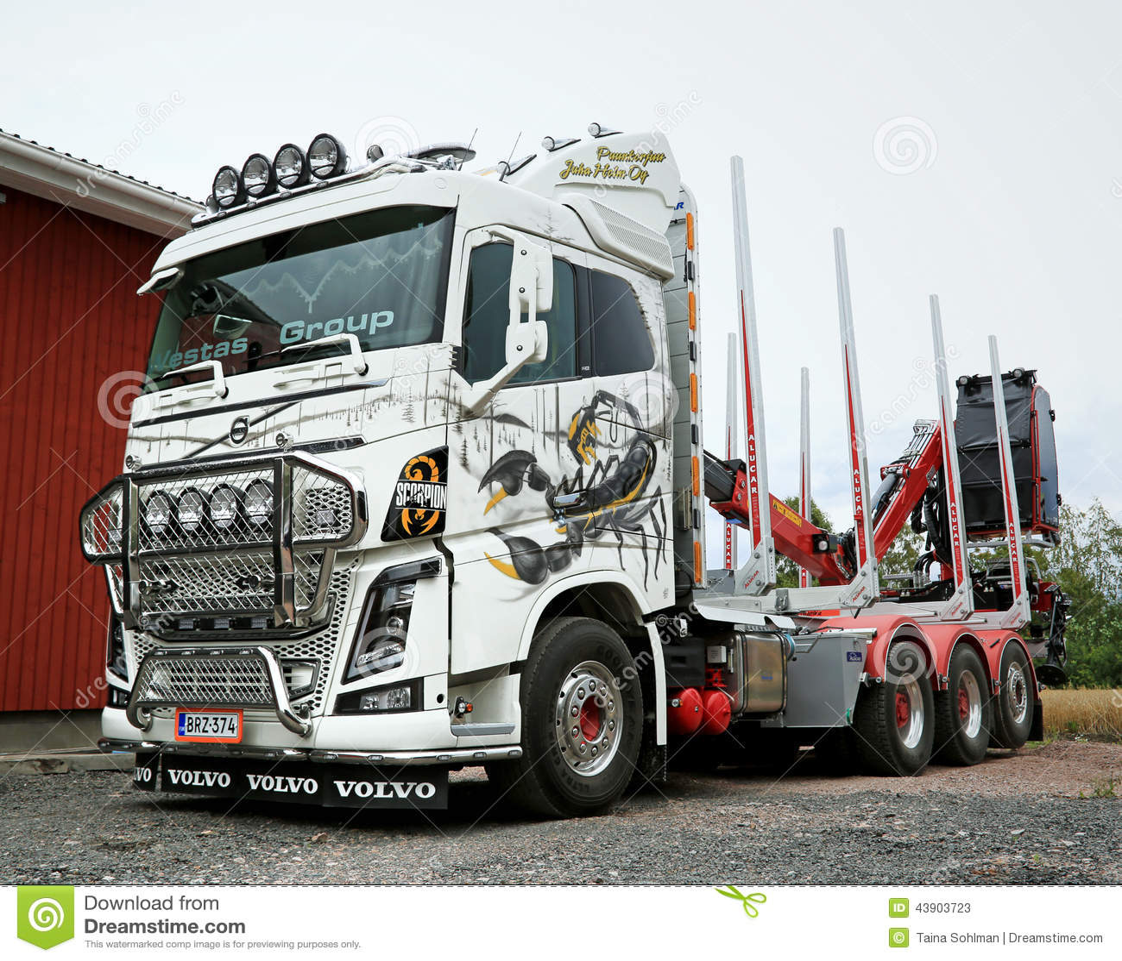 Volvo FH16 wyróbki ciężarówka z Ponsse skorpionem