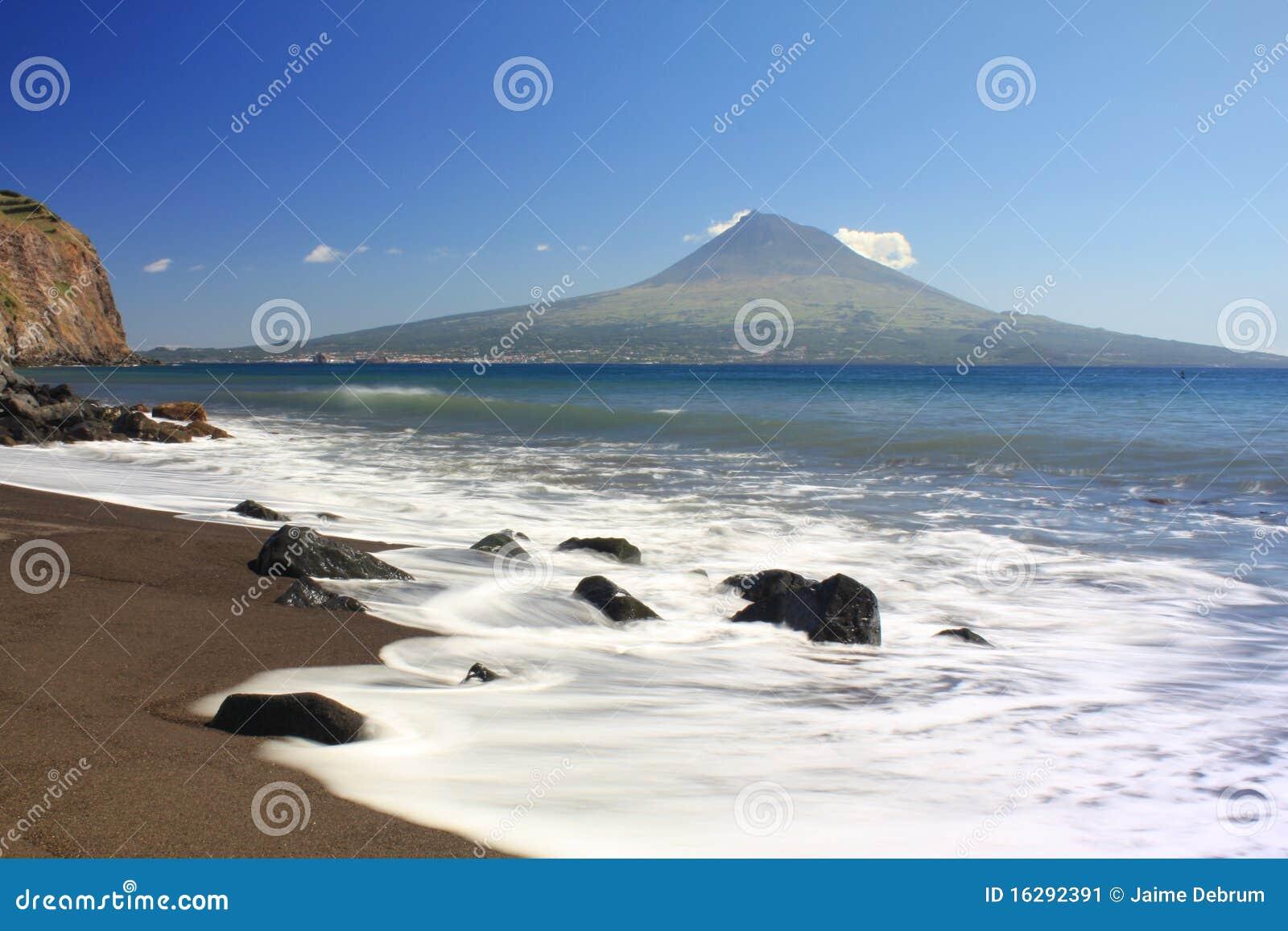 von den azoren strand stockbild bild von blau wolke 16292391. Black Bedroom Furniture Sets. Home Design Ideas