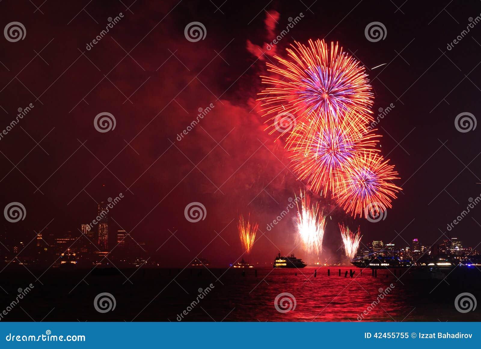 4. von Juli-Feuerwerken in New York