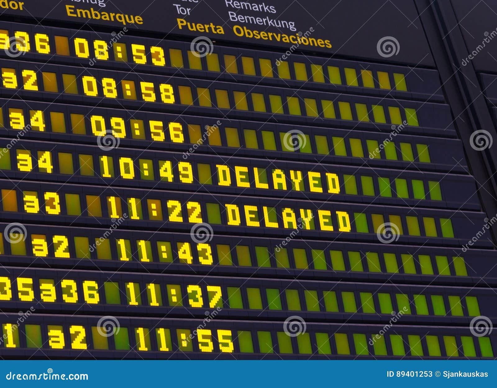 Voo atrasado quadro indicador da programação do aeroporto