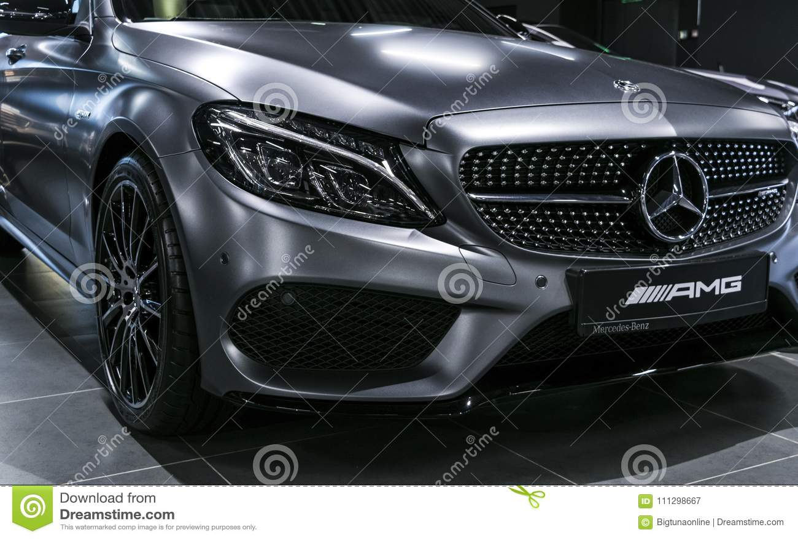 Vooraanzicht van Mercedes Benz C 43 AMG V8 bi-Turbo4matic 2018 koplamp Auto buitendetails