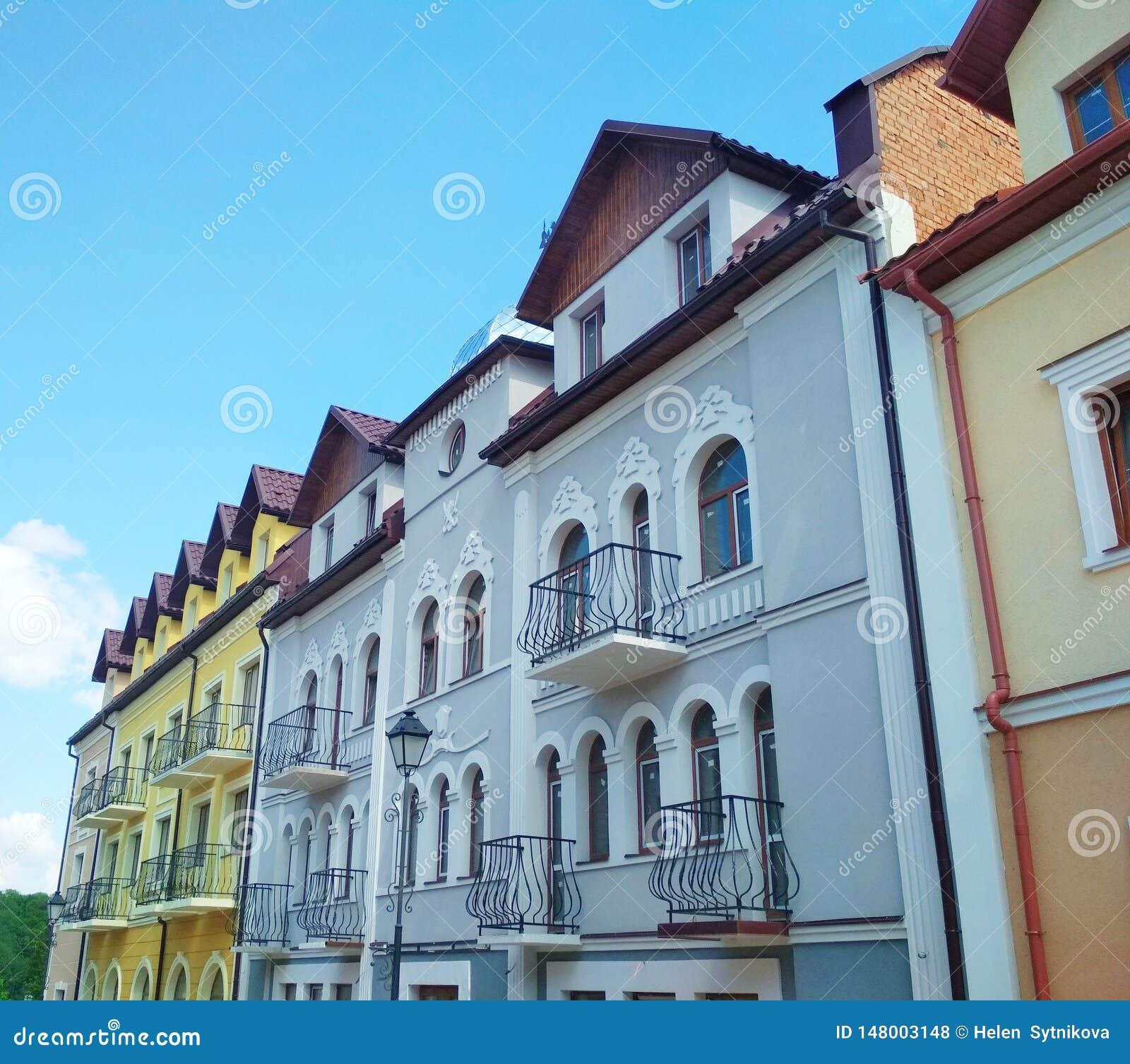 Voorgevel van de gebouwen, kamenets-Podolsky, de Oekra?ne