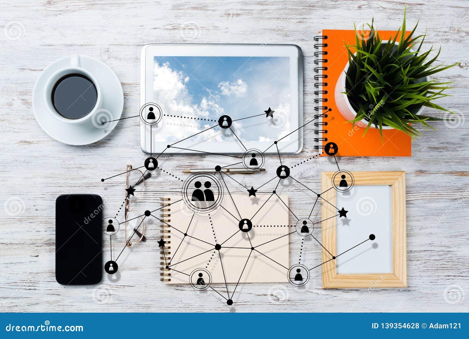Voorzien van een netwerk en sociale communicatie concepten