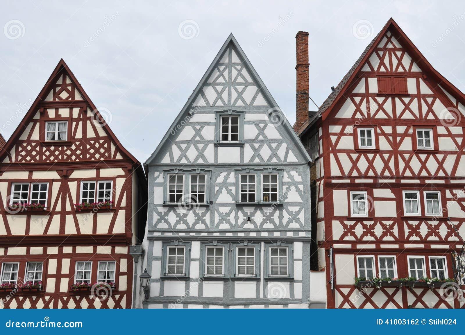 vordere giebel von fachwerkh usern in deutschland. Black Bedroom Furniture Sets. Home Design Ideas